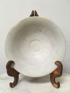 White Porcelain Glazed Bowl - China - late Ming period, 17th century