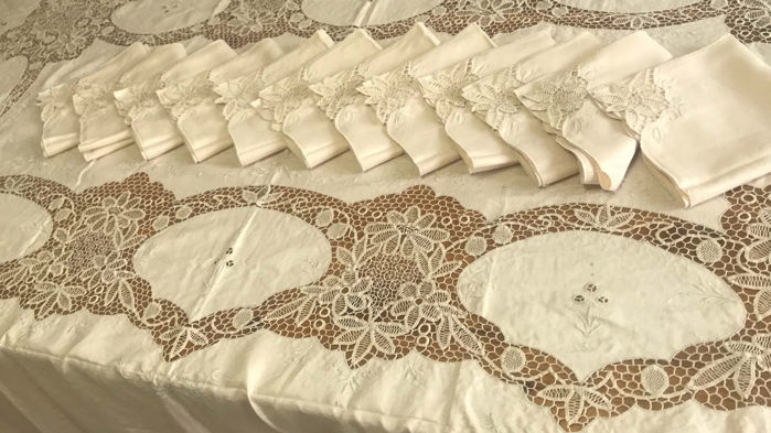 Embroidery triumph - pure linen and Burano lace tablecloth - entirely hand embroidered
