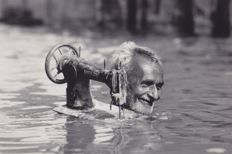 Steve McCurry (1950-)/National Geographic - Monsoon, India - 1984