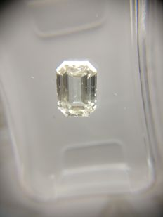 1.01 ct Emerald cut diamond H SI1