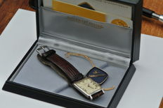 Jaeger-LeCoultre -- men's wristwatch -- 1950s