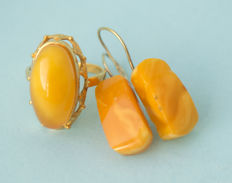 Vintage Baltic Amber set of ring and silver earrings with gold plated old honey butterscotch egg yolk colour, 6 gram