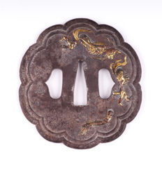 Iron tsuba with dragon design - Brass and copper Inlay - Japan - 19th/20th century