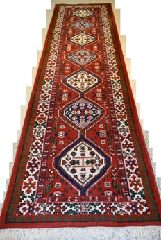 High-quality hand-knotted oriental runner, 324 x 88 cm End of the 20th century