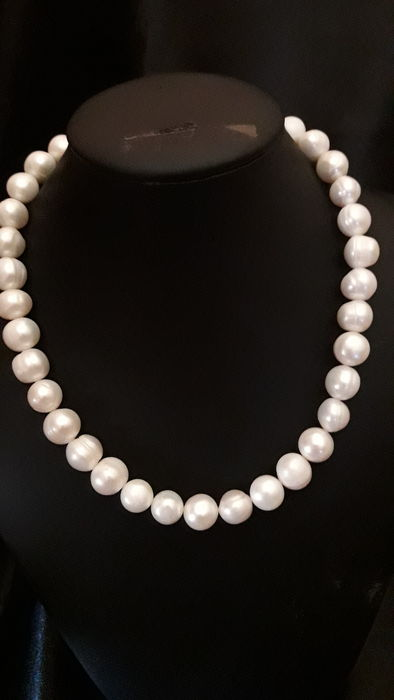 Fresh water pearls necklace and 925 mm silver 41 cm