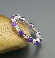 Memory ring with amethysts and brilliants 750 white gold ---no reserve price---
