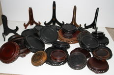 Large lot of wooden plate and vase stands - China -  end 20th century