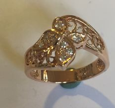 Rose gold butterfly ring set with 8 brilliants = 0.16 ct VS2 / Wesselton (H) size: 19 (59.5)