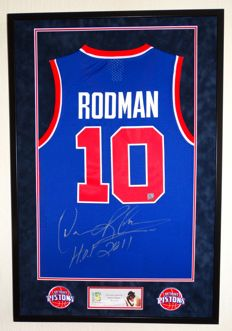 "Dennis ""The Worm"" Rodman - original signed Detroit Pistons Jersey - Premium Framed + COA Authentic Signings with photo of the autograph session."
