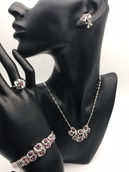 Wonderful ruby & diamond jewellery set - necklace, bracelet, ring & earrings & clip-on earrings - made of 585 / 14 kt white gold