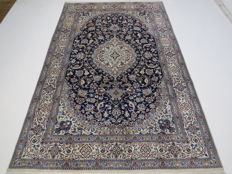 Dreamily beautiful Persian carpet, Nain/Iran, 307 x 196 cm, end of the 20th  century. Top condition wiith silk, as new, fine
