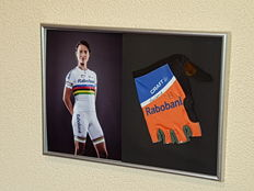 Marianne Vos - 2-time Olympic and 12-time world champion Elite - hand-signed glove + COA.