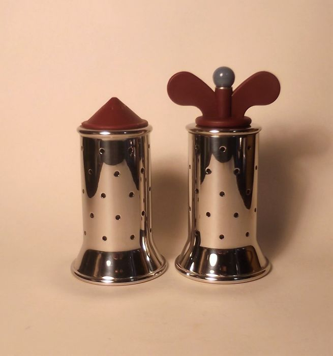 Alessandro mendini michael graves for alessi pepper for Alessi salt and pepper shakers