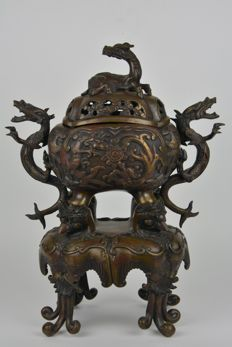 Large koro/incense burner in bronze (approx. 46 cm) - Japan - 19th century (Meiji period)