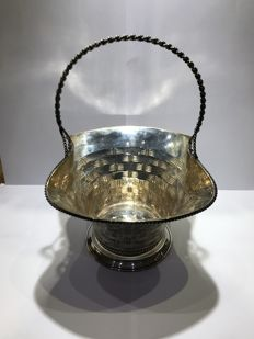 A basket in silver - Spain - 21st century