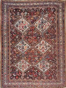 Antique Khamseh carpet, Qashqai, size: 260 x 180 cm