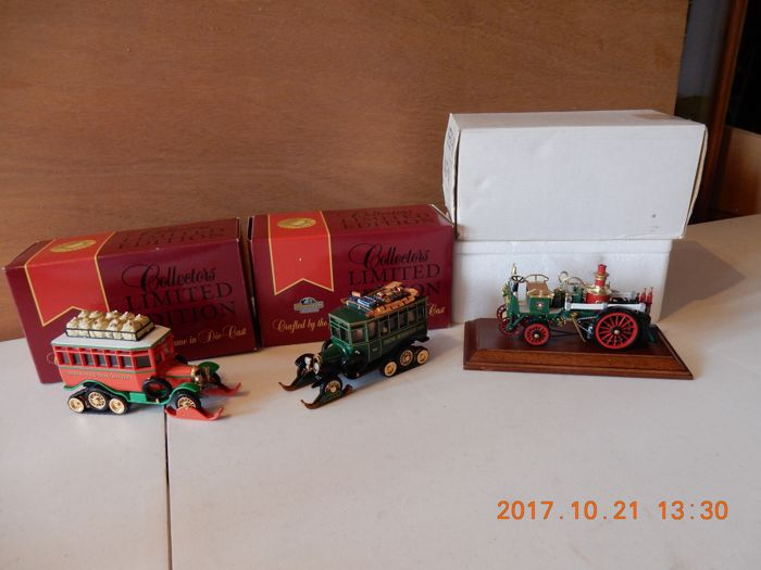 Matchbox Christmas 1996 Specials - Scale approx. 1/43 - Lot with 3 model: Bush Self-Propelled Fire Engine - YSFE 03-M, Christmas Scania Vabis Post Bus with print - YYM35793/1 & Snow Mountain Ski Lodge Resort Spec -  YY035/SB-M