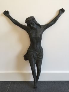 Bronze Jesus statue - sleek design - France