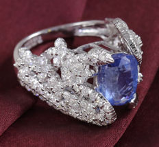 IGI certified Very Exclusive  Designer White Gold Blue sapphire ( Untreated and Unheated ) and Diamond Ring