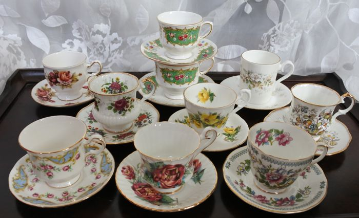 10 cups and saucers made of English porcelain, amongst others, Queen Anne, Paragon, Royal Albert