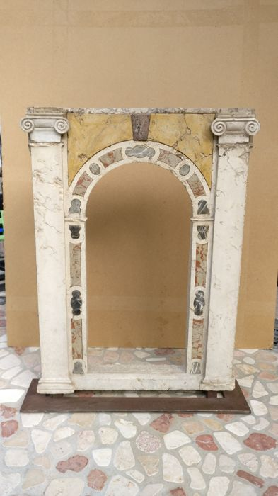 Tuscan marble aedicule - probably 18th century