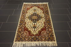 Beautiful handwoven oriental carpet, Paki Qom, silk shine 95 x 160 cm, cork wool, made in Pakistan