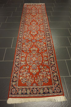 Unique Persian carpet, Sarouk runner, best wool, excellent condition, made in Iran, 80 x 300cm