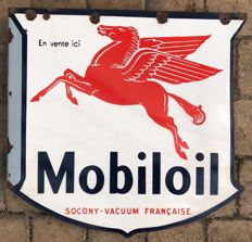 Old enamelled plate for MOBILOIL, 1950