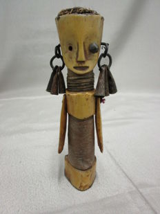 Very ancient Figurine in bone - NDENGESE - D.R Congo