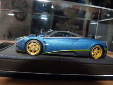 Peako Resin - Scale 1/43 - Pagani Huayra - Limited Edition 31 / 50 et Spyker C8 Laviolette