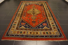 Royal oriental carpet, Indo Heriz, 190 x 290 cm, made in India