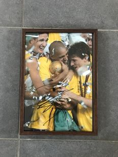 Roberto Carlos signed framed photo with photo of the moment of signing and COA