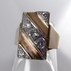 14 kt red gold, vintage ring set with 1.00 ct of diamonds in platinum