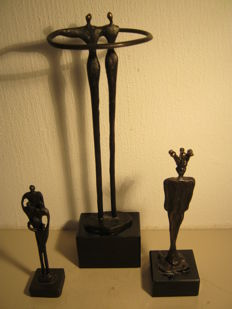 Corry Ammerlaan van Niekerk  - lot of three sculptures - Zorg in Beweging / Working Apart Together / Gekroonde Man