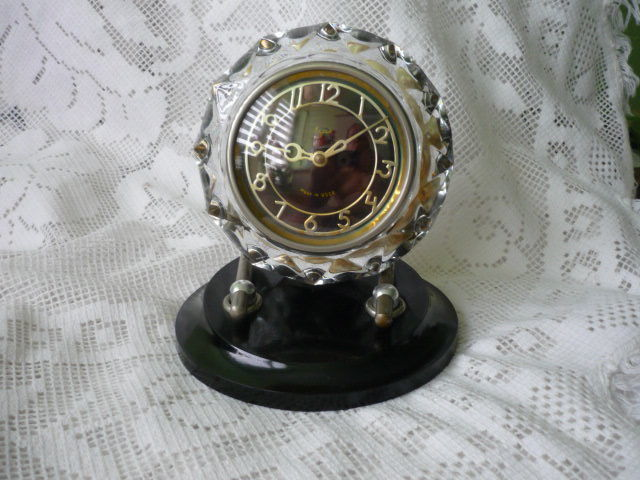Mayak mantelpiece clock, table clock, made in USSR, 1960s