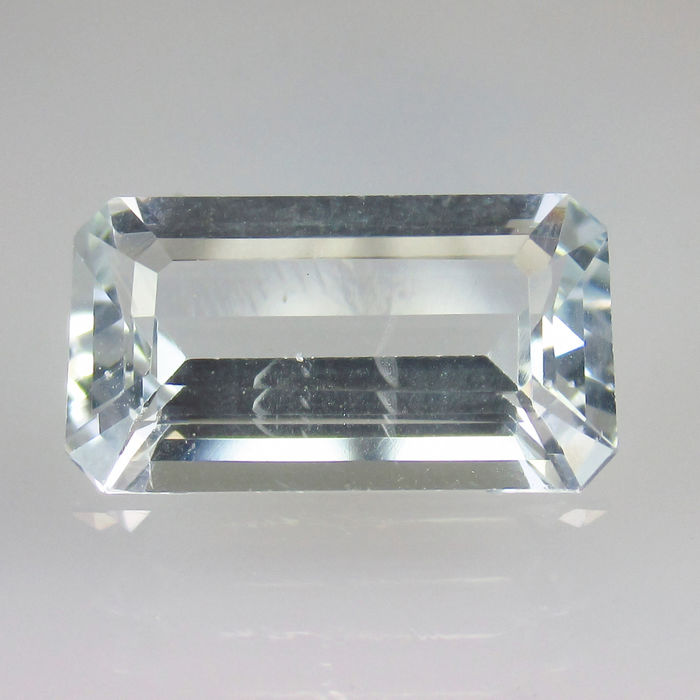 5.63 Ct - Aquamarine - Reserve price no
