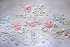 6 exquisite towels with floral embroidery handcrafted with silk thread, 100% linen