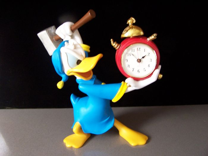 Disney, Walt - Figure - Angry Donald Duck with alarm clock