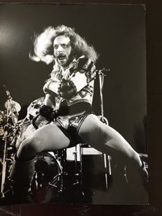 Ian Anderson on an original press photograph