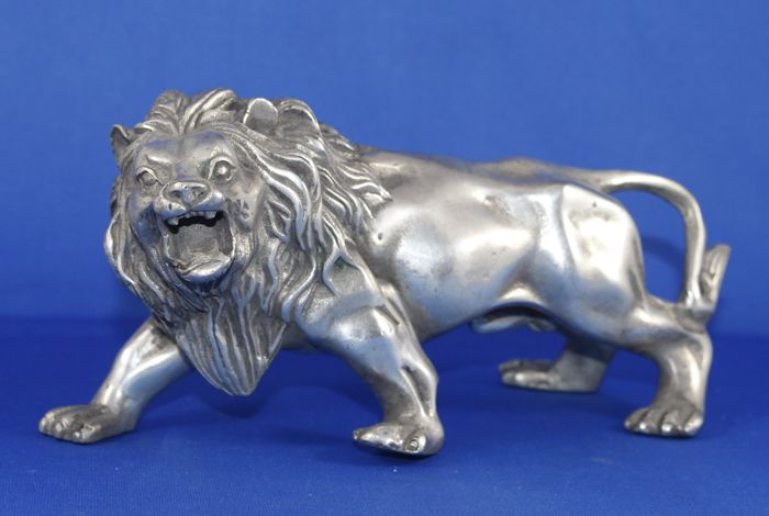 Statue; Silver plated bronze African lion