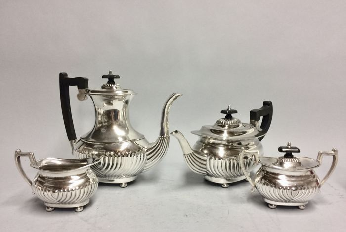 AAAA Silver plated tea and coffee set Towle Sheffield England ca 1910 & AAAA Silver plated tea and coffee set Towle Sheffield England ca ...