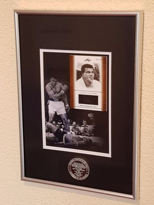 Muhammad Ali (RIP) - Limited Edition Framed original event worn piece of clothes + Career Coin