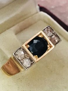 Ring in 18 kt gold with sapphire and rose diamonds