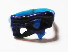 Egyptian bichrome faience ring with the Eye of Horus (Wedjat) - 22 mm