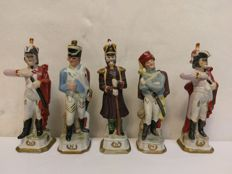 5 Napoleon soldiers figurines