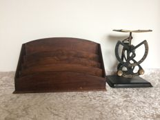 Metal bilateral letter scale & letter holder from England - early 20th century