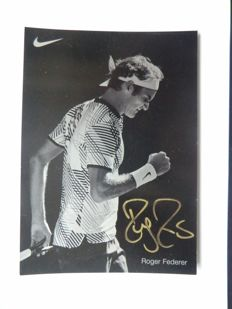 Beautiful photo card of Roger Federer with original signature incl. COA