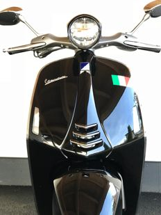 "Vespa - 946 - 1st  series ""Ricordo Italiano"" - 2013/2017"