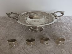 Round silver plated dish, brand HOKA and 4 serviette rings, England - late 19th century.