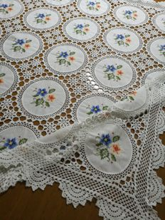 Vintage centrepiece tablecloth - Italy - 70s